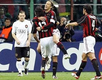 Milan chỉ cần đúng 78 phút để nã đến 3 bàn vào lưới MU và giành vé vào chung kết. Ảnh: AP.