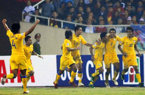 Thái Lan mừng bàn thắng dẫn trước. Ảnh: Hoàng Hà.