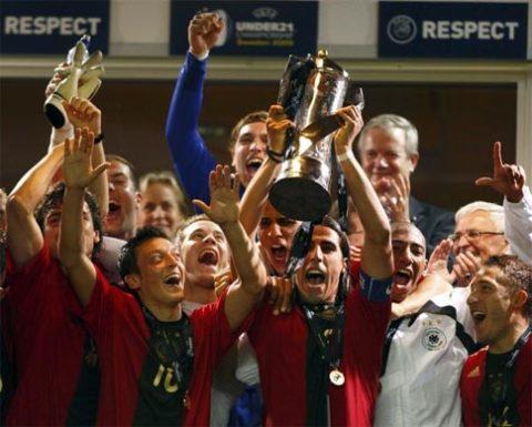Lần đầu tiên, Đức tận hưởng vinh quang ở giải U21 châu Âu. Ảnh: Getty Images.