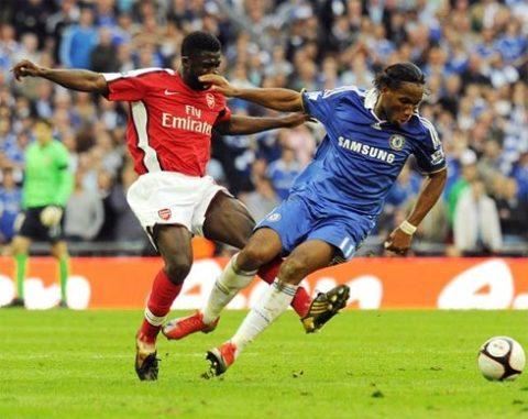Kolo Toure không tin Arsenal sẽ thành công nếu vẫn duy trì chính sách tiết kiệm và bán dần các ngôi sao lớn như bây giờ. Ảnh: Getty Images.