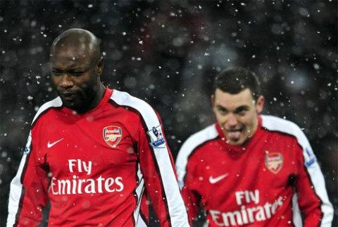 Arsenal đã có cơ hội tuyệt vời để chiếm vị trí nhì bảng của MU, nhưng lại không tận dụng được. Ảnh: Reuters.