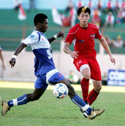 Lee Nguyễn chưa thể hiện được nhiều ở trận đầu tiên của mùa giải năm nay.