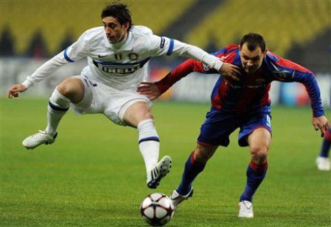 Inter lẽ ra còn có thể thắng đậm hơn, nếu Milito không phung phí hai cơ hội ngon. Ảnh: AFP.