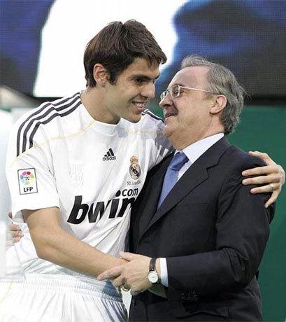 Perez xem Kaka là một nhân tố quan trong kế hoạch phục hưng, đưa Real Madrid trở lại đỉnh vinh quang như trong nhiệm kỳ đầu ông làm chủ tịch. Ảnh: AFP.