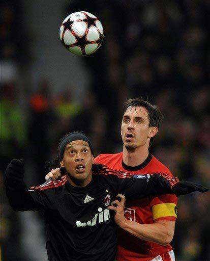 Neville từng hy vọng sẽ lọt vào mắt xanh của Capello nhờ phong độ cao ở MU nửa cuối mùa giải. Ảnh: AFP.