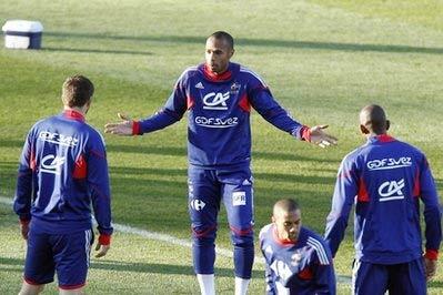 Pháp cũng như Nam Phi cần có phép màu để giành vé vào vòng sau.