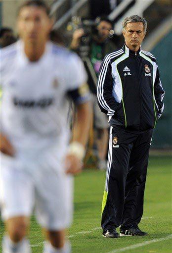 Mourinho và các học trò sẽ còn rất nhiều việc phải làm để hoàn thiện cỗ máy chiến thắng mà ông mong muốn. Ảnh: AFP.