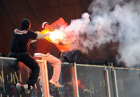 Italy quả quyết họ đã làm hết trách nhiệm và tốt nhất có thể trong cách giải quyết vụ làm loạn của các CĐV Serbia. Ảnh: AFP.