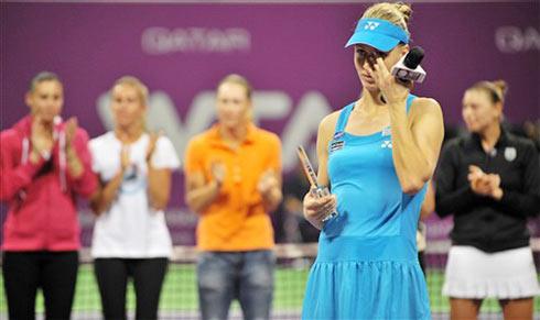 Dementieva xúc động nói lời tạm biệt làng quần vợt. Ảnh: AFP.