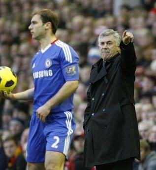 Thầy trò Ancelotti tỏ ra bất lực trước lối chơi kín kẽ và hợp lý của Liverpool.