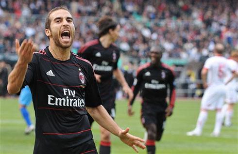 Chiến thắng trên sân Bari là lần thứ Milan giành trọn 3 điểm trên sân khách ở Serie A mùa này. Ảnh: AFP.