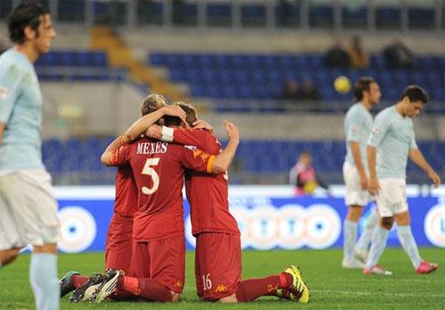 Chiến thắng ở trận derby tác đông rất tích cực đến tâm lý của Roma. Ảnh: AFP.