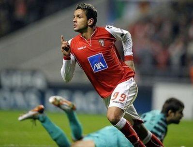 Matheus - hung thần của Arsenal tối qua.