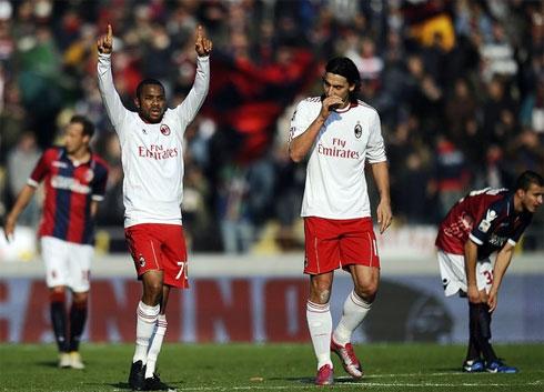 Trước Bologna, Robinho (trái) có bàn thứ sáu, còn Ibrahimovic thì nâng thành tích làm bàn tại Serie A từ đầu mùa lên 9 bàn. Ảnh: AFP.