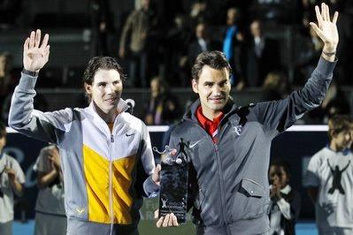 Nadal và Federer trong trận tái đấu tại Madrid.