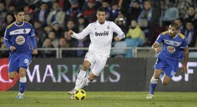 Ronaldo lại chơi xuất sắc và duy trì khả năng lập công đều đặn.