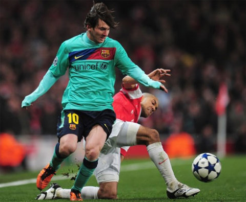 Barca vẫn có chút lợi thế nhờ bàn thắng trên Arsenal ở lượt đi.