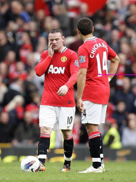 Sự thất vọng hiện rõ trên gương mặt Rooney và đồng đội.