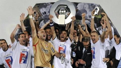 Lyon cũng như như nhiều ông lớn khác ở châu Âu đều không thể sánh với Barca về số danh hiệu đoạt được từ đầu thế kỷ 21.