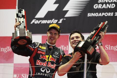 Sebastian và Red Bull kết thúc năm 2011 với niềm vui trọn vẹn.