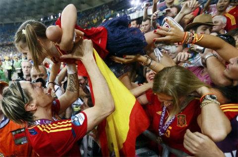 Ngay sau khi cùng đồng đội đánh bại Italy để bảo vệ thành công chức vô địch Euro