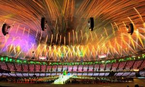 Màn pháo hoa rực rỡ trong lễ bế mạc Olympic