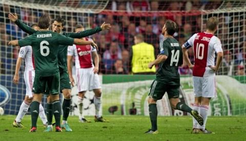 Ronaldo-real-v-ajax-2-jpg-1349402554_480