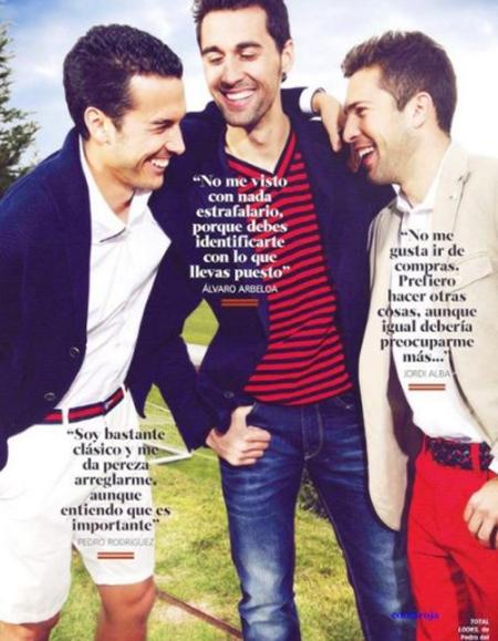 Nụ cười rạng rỡ của Pedro, Arbeloa và Alba.