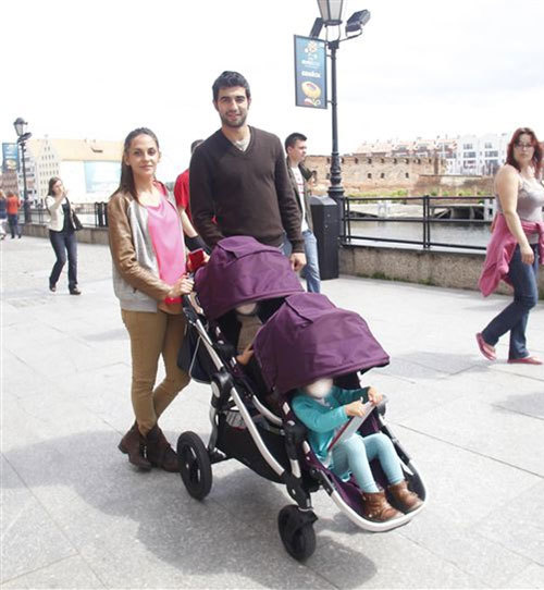Bà xã Alicia của Raul Albiol đang mang bầu ở tháng thứ 7 và đó là một bé trai.
