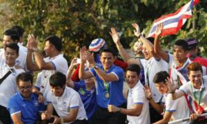 Vừa vô địch AFF Cup, tuyển Thái Lan đã nghĩ đến World Cup 2018