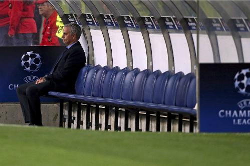 Porto 2-1 Chelsea: Ngày về khốn khổ của Mourinho - champions League