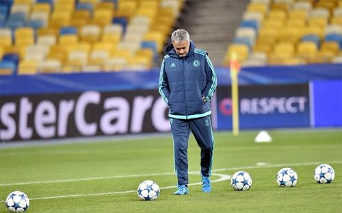 mourinho-chelsea-van-du-co-hoi-gianh-cu-an-bon
