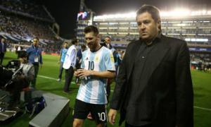 Messi và Argentina lại đối diện kịch bản 'chết dưới tay đồng hương'