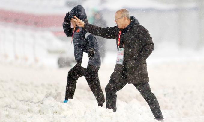 HLV Park Hang-seo: 'Việt Nam phải lấy bóng đá trẻ làm xương sống'