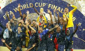 Độc giả VnExpress tranh cãi vì lối chơi của tuyển Pháp