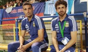 Thần tượng của Messi dẫn dắt tuyển Argentina