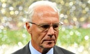 Beckenbauer: 'Hát quốc ca giúp ích cho cầu thủ hơn nhai kẹo'