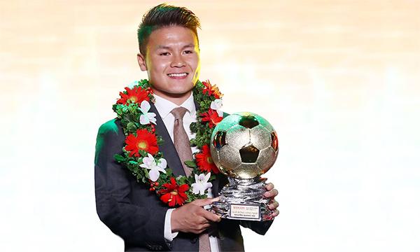 Quang Hải nhận Quả Bóng Vàng Việt Nam 2018 - VnExpress Thể thao