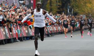 Runner nhanh hơn nếu vừa cười vừa chạy