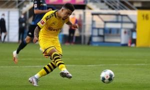 Sancho hơn Messi và Ronaldo cộng lại