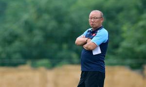 HLV Park: 'Việt Nam thiếu cầu thủ trẻ như Công Phượng, Duy Mạnh'