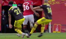 CĐV Man Utd chỉ trích VAR