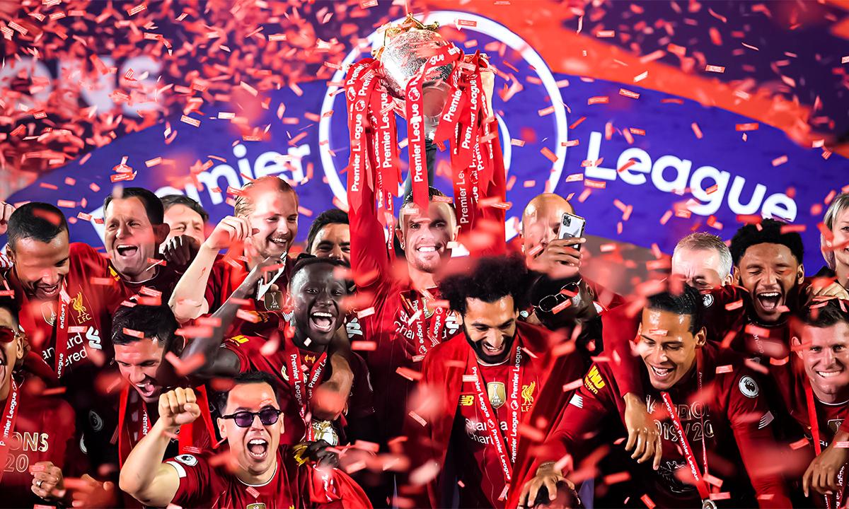 Liverpool nâng Cup Ngoại hạng Anh