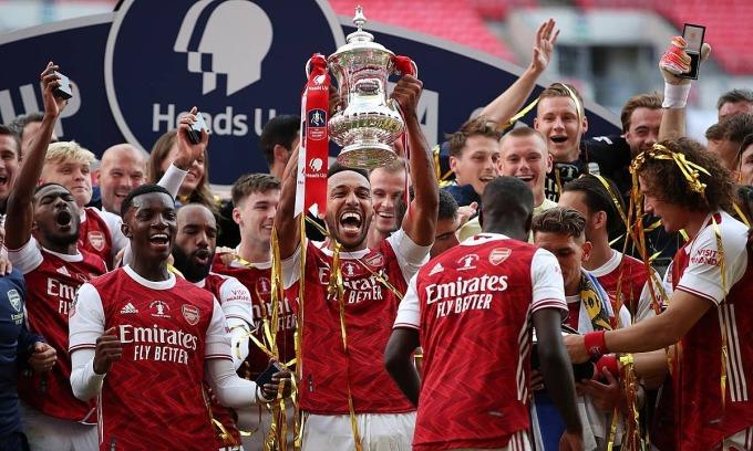 Arsenal đoạt Cup FA
