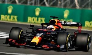 Verstappen làm trái chỉ đạo để đánh bại Mercedes