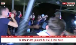 Neymar nhảy múa sau trận thắng Leipzig