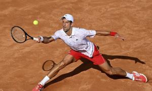 Novak Djokovic 2-1 Dominik Koepfer