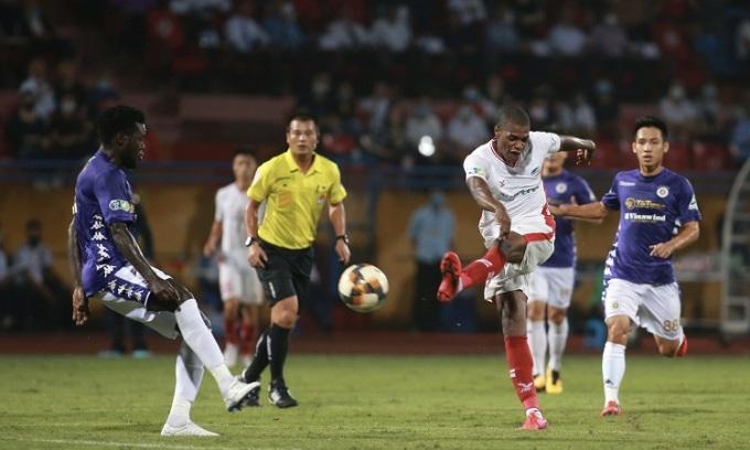 Hà Nội 0-0 Viettel (hiệp 2): Bruno sút xa