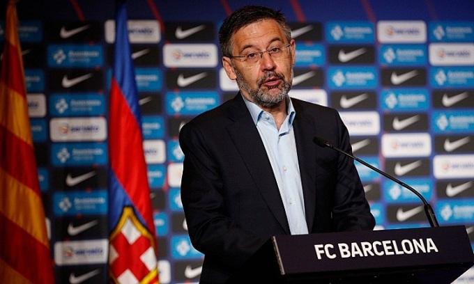 Bartomeu: 'Tôi không thể để Messi ra đi'