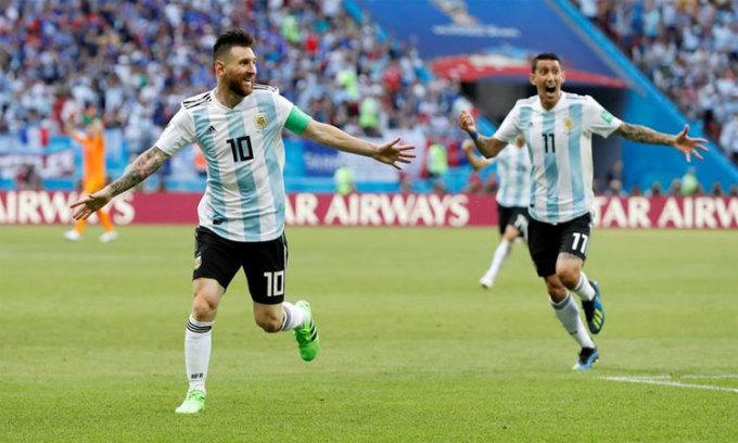 Messi bị kéo vào vụ chỉ trích tuyển Argentina